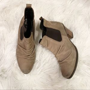 Paul Green Jano Ankle Leather Ruched Booties